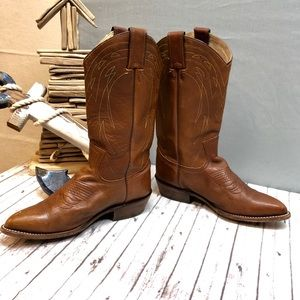 ce19203d16a Size 8.5 Women's Frye Billy Pull On Boot